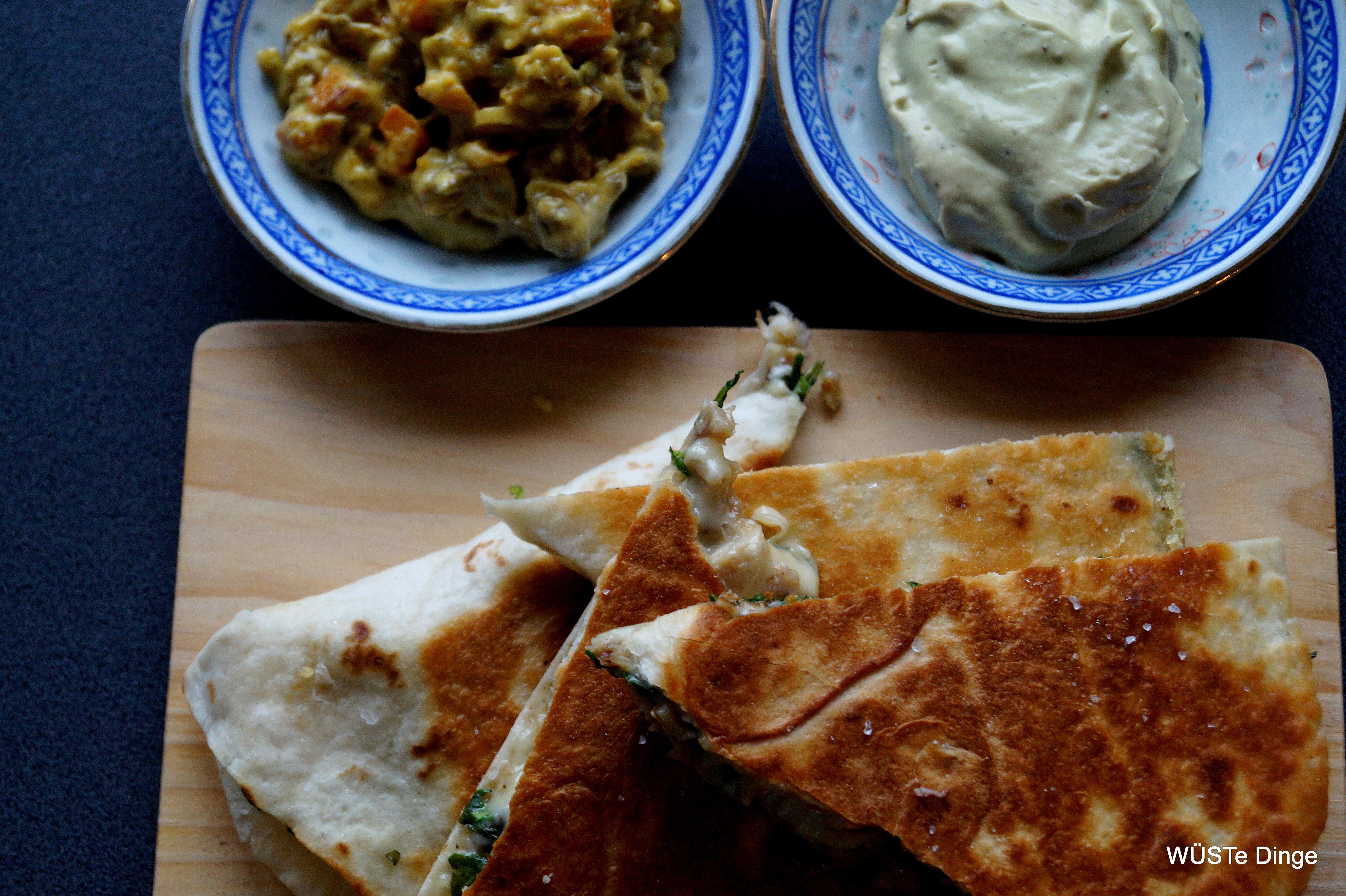 Quesadilla con Grillhähnchen, Rucola und Bergkäse
