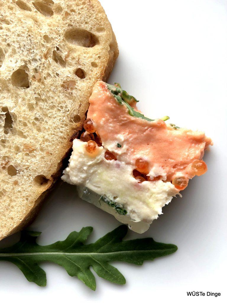 Räucherfischterrine auf Brot