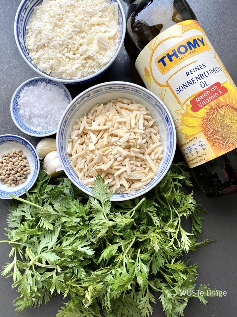 Zutaten Möhrengrün-Pesto